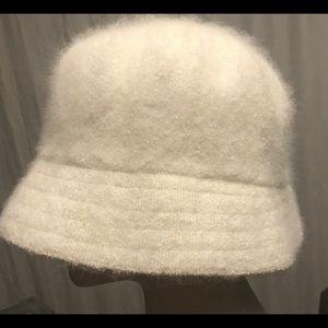 Accessories - Angora hat